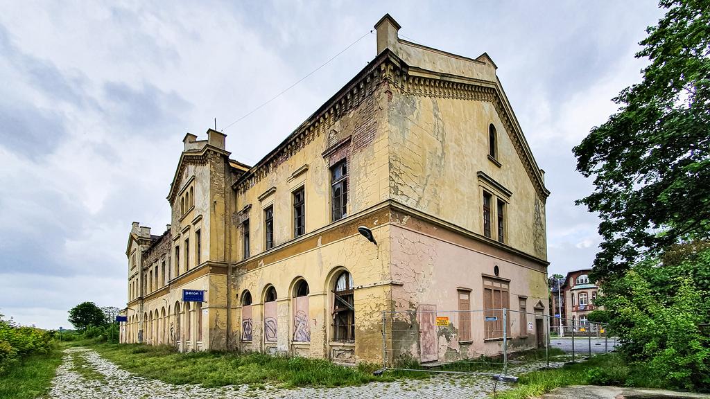 Dworzec kolejowy PKP - Gmina Głubczyce