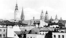 /widok na wieże glubczyckie, okres międzywojenny/